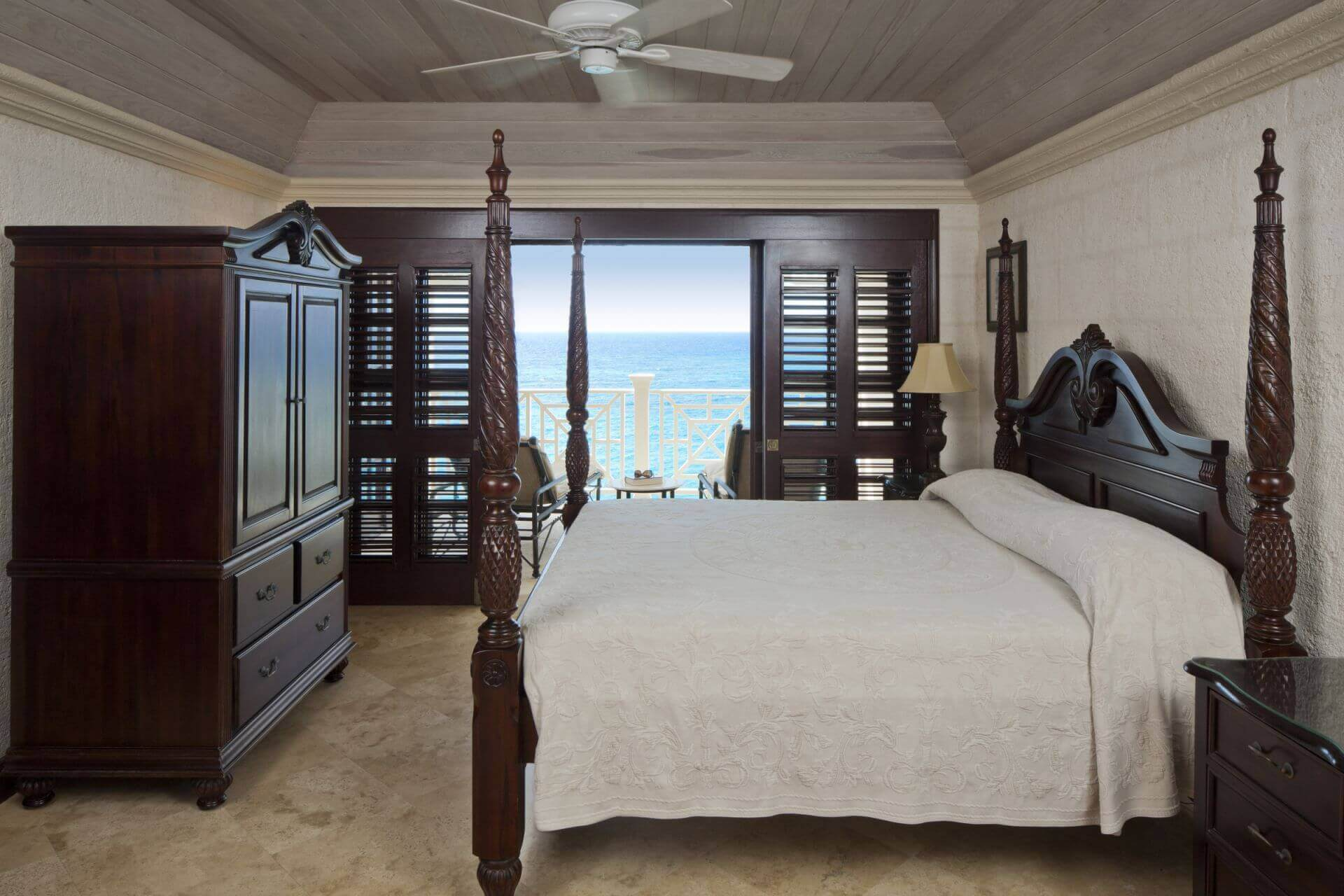 ocean-view-suite-master-bedroom1-1