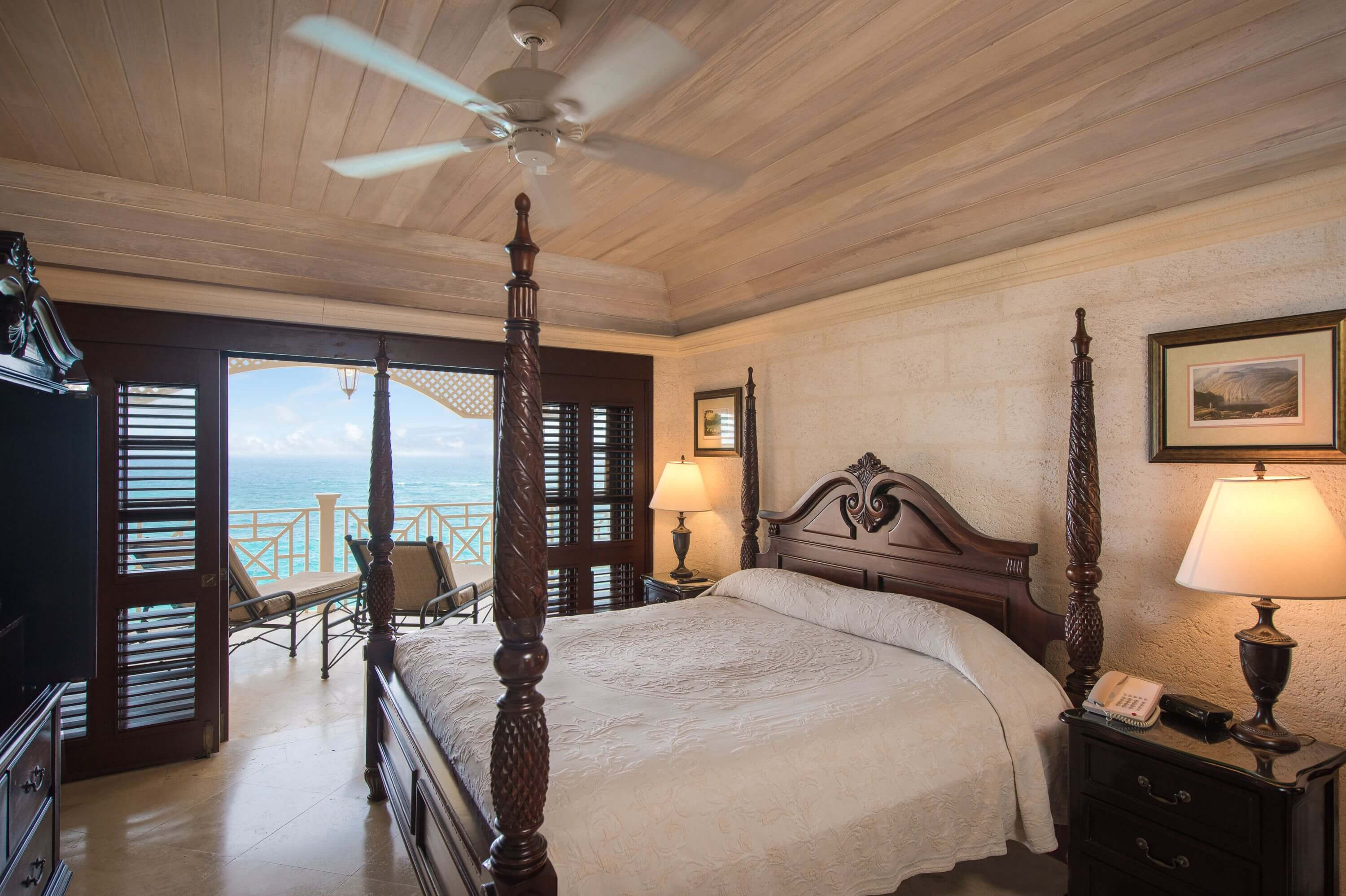Ocean View Suite - Bedroom