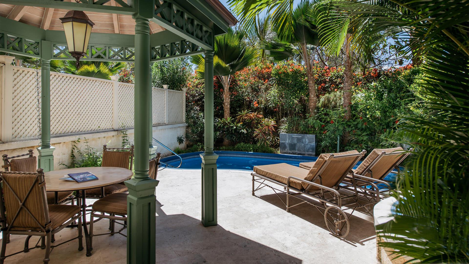 One Bedroom Standard Suite With Garden Pool