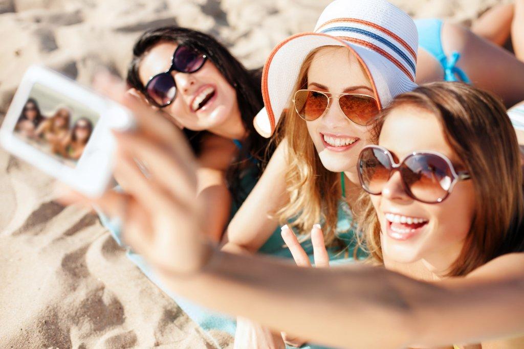 Girllfriends selfie edit